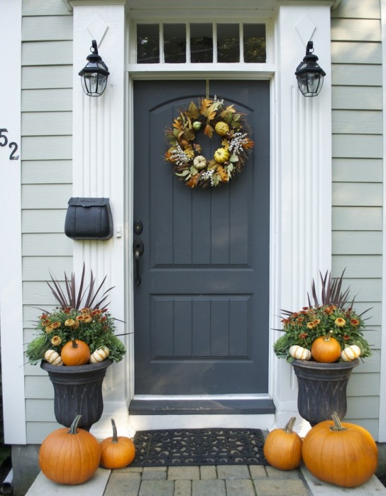 Another festive doorway. Simple and symmetrical.