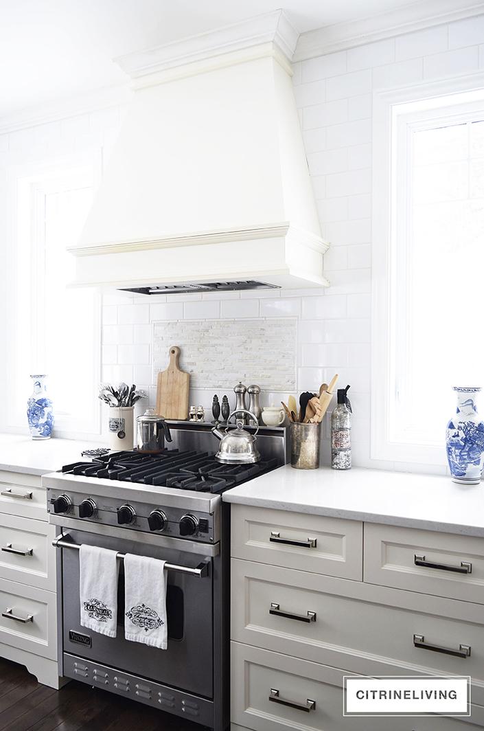 CitrineLiving-kitchen-no-upper-cabinets