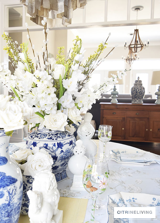 blue-and-white-ginger-jar-flowers-tablescape