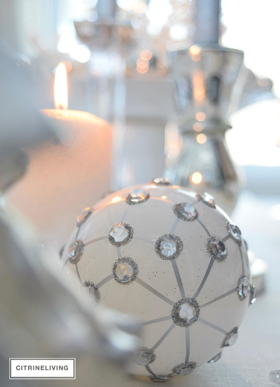 christmas-ornament-white-silver2