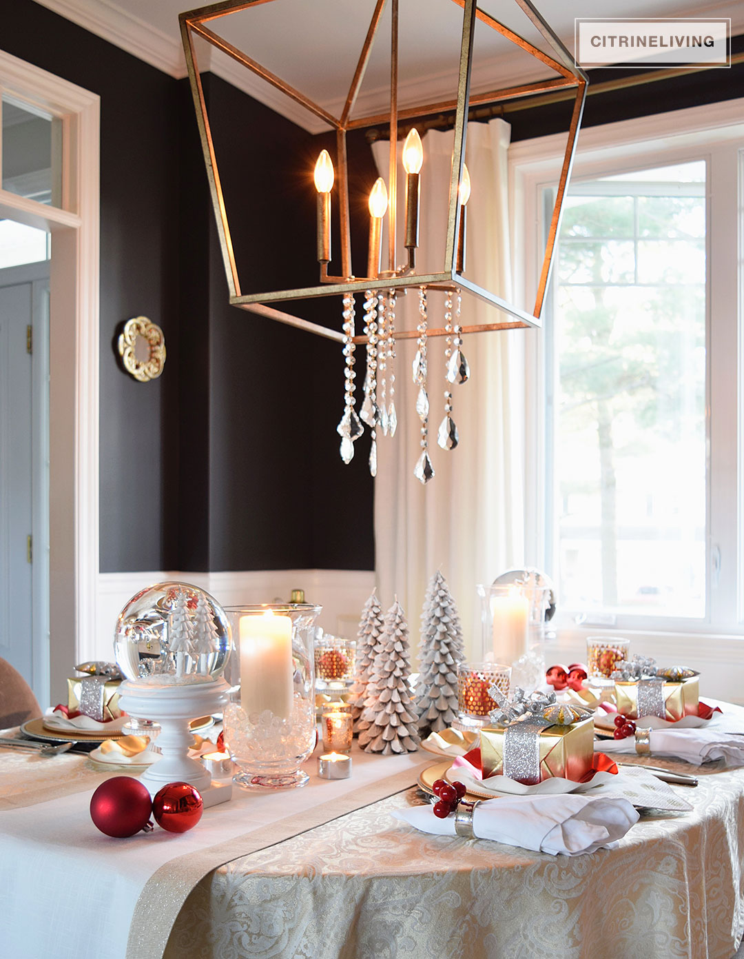 christmas-tablescape-pendant-light