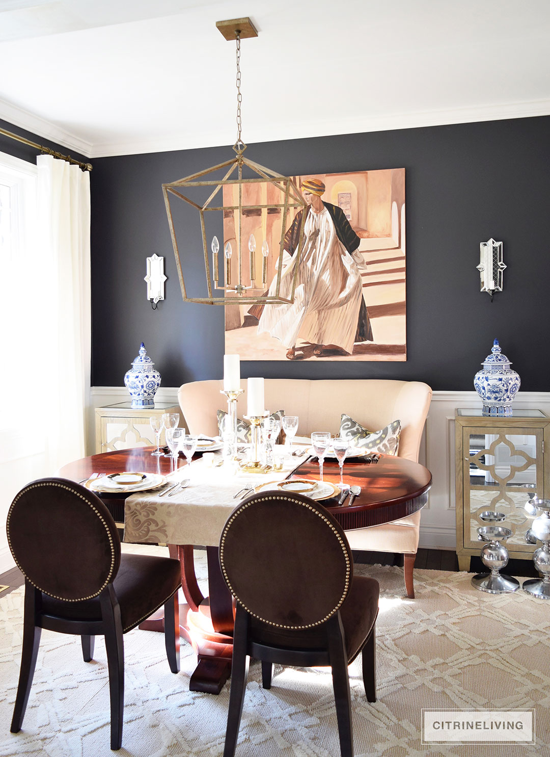 dining-room-black-walls-neutral-rug-brass-pendant5