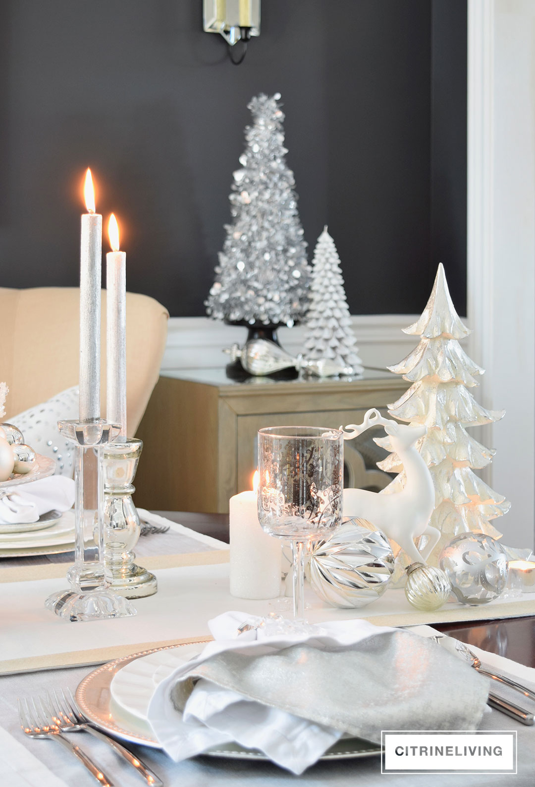 dining-room-black-walls-white-tabescape-holiday2