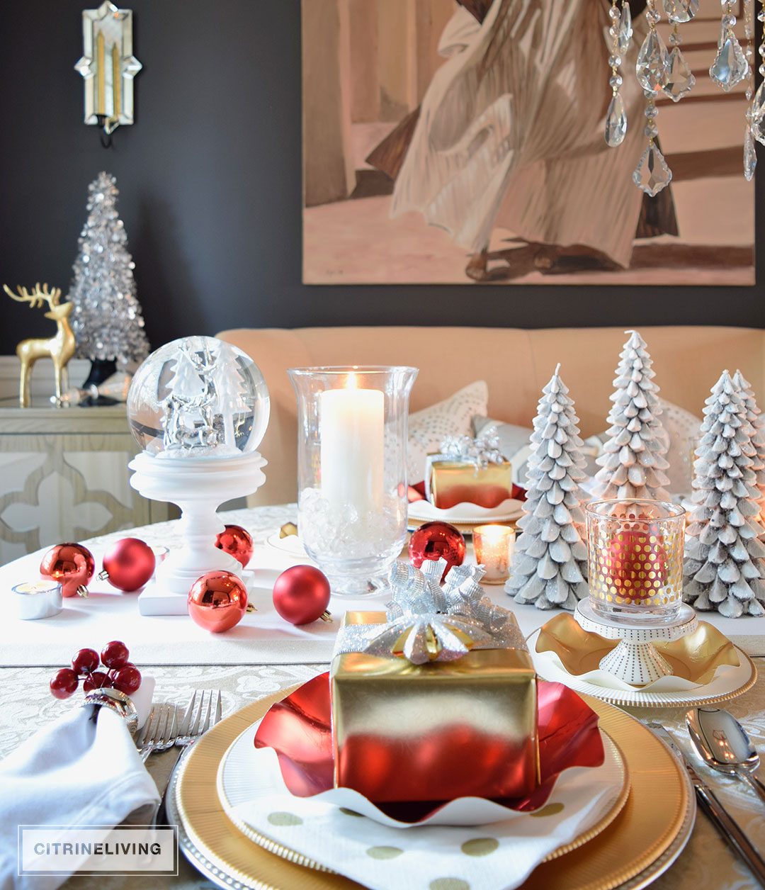 Red white and gold holiday tablescape with a twist - Christmas table setting ideas ...