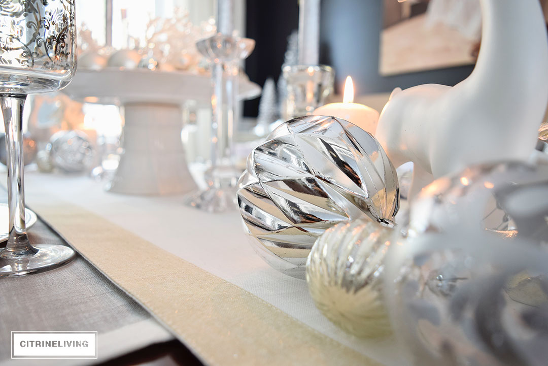 white-silver-christmas-holiday-decor3