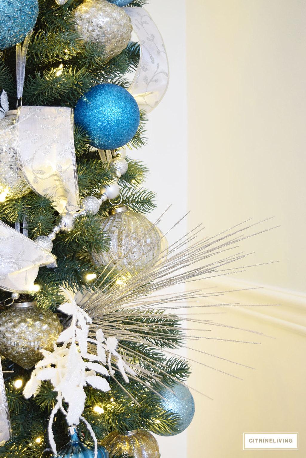 balsam-hill-pencil-tree-blue-silver16