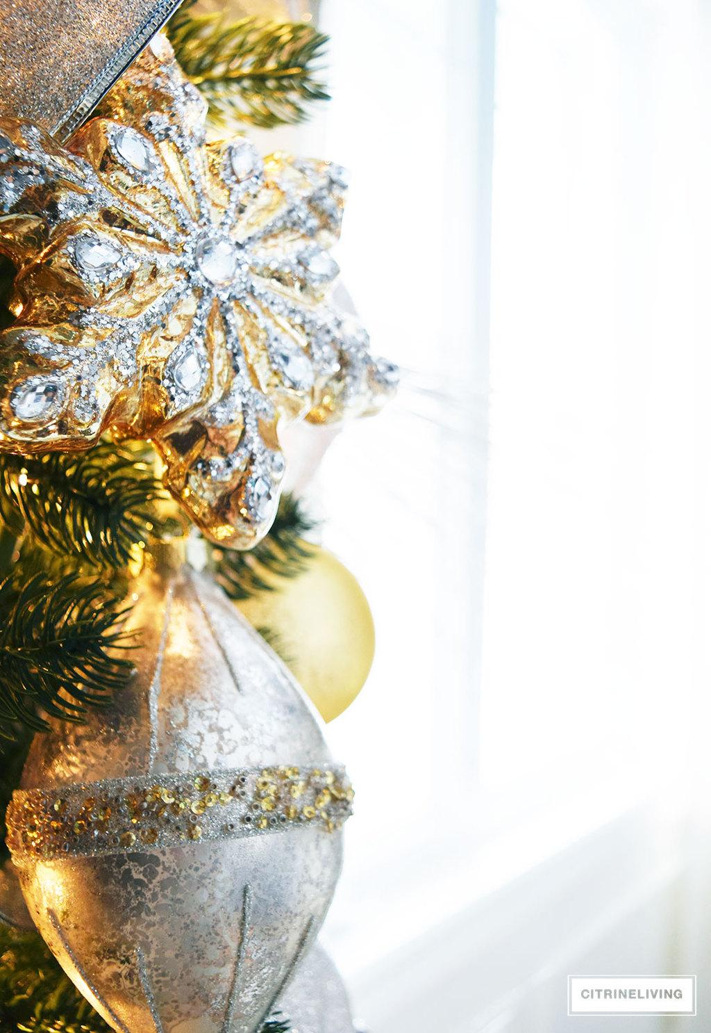 balsam-hill-snowflake-ornament2