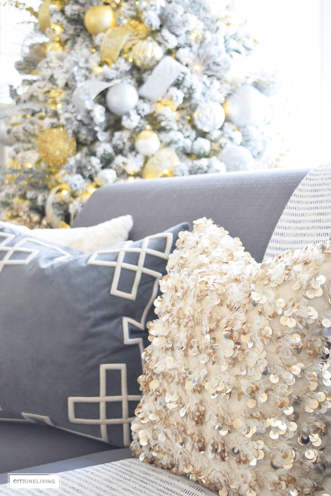 bolly-pillow-annie-selke-christmas-decor2