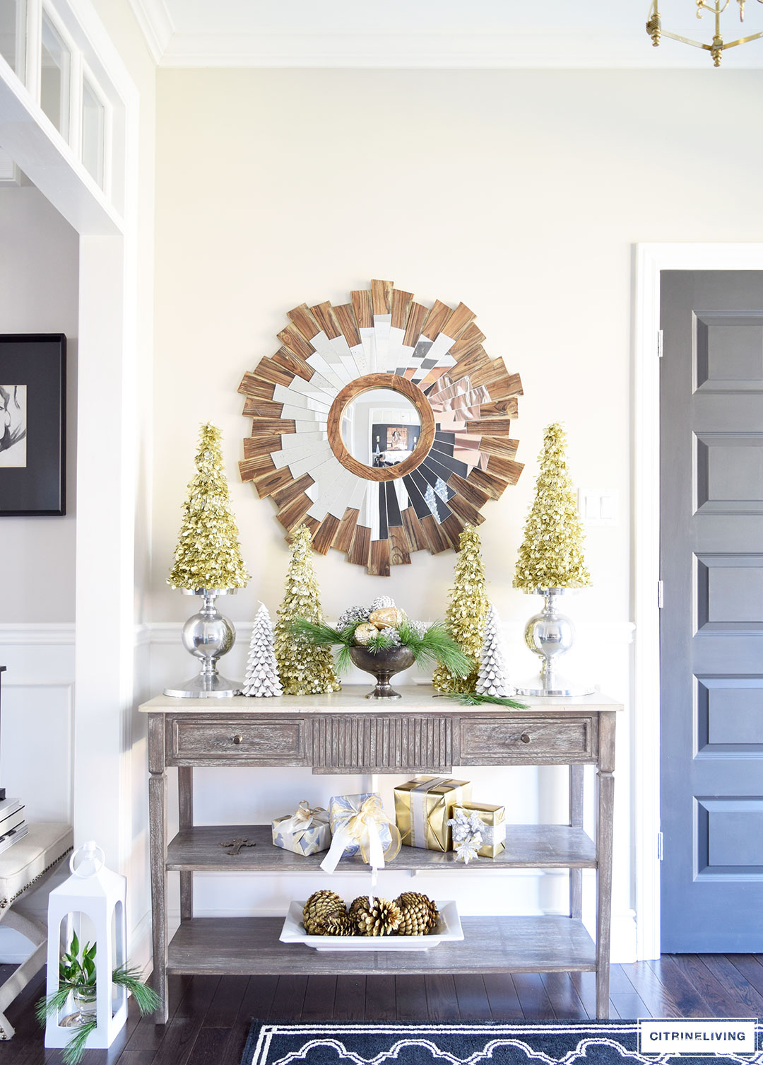 christmas-decor-entryway-console-table