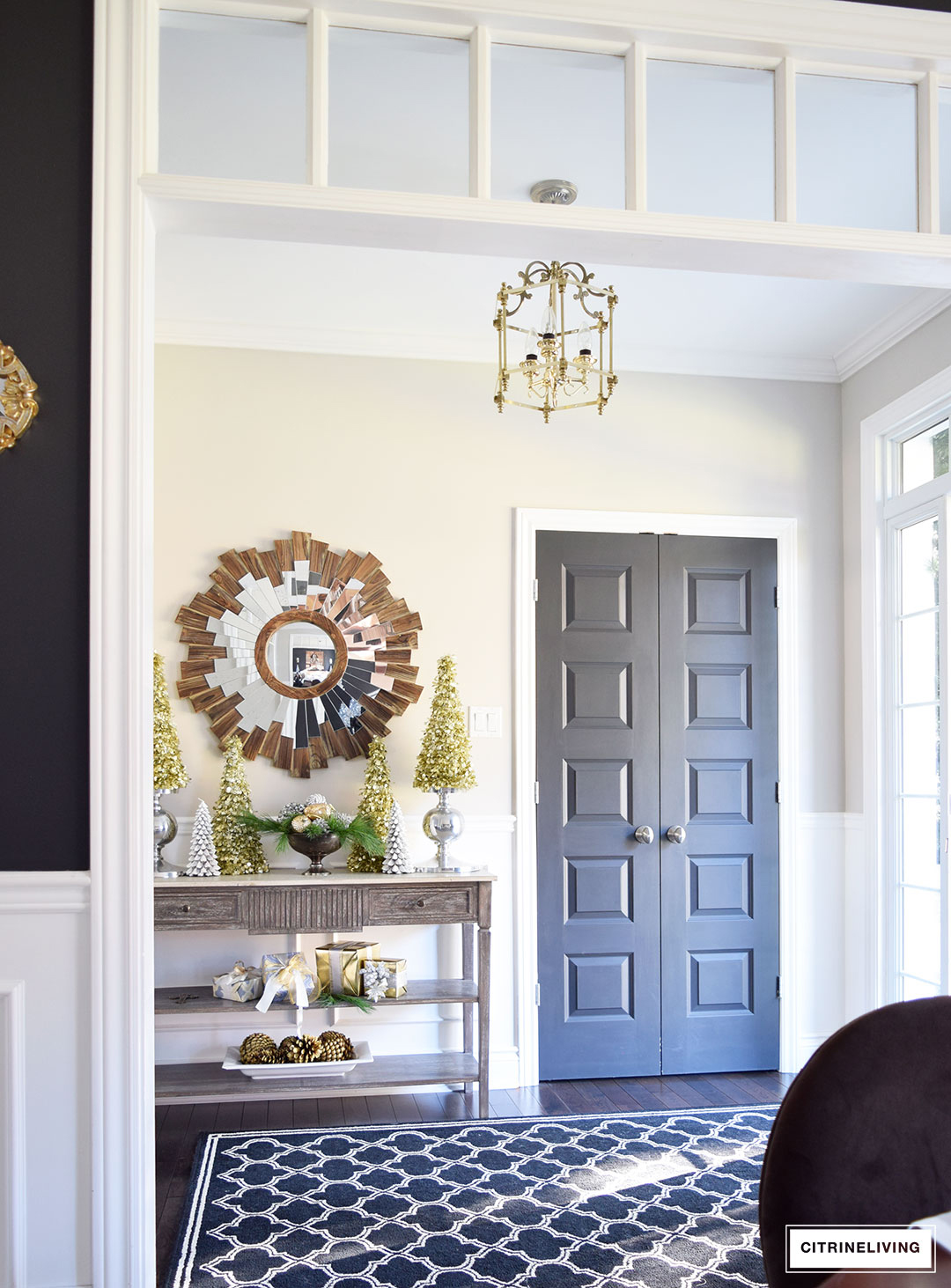 Christmas Home Tour - Gorgeous mixed metallics and elegant greenery create the perfect holiday setting