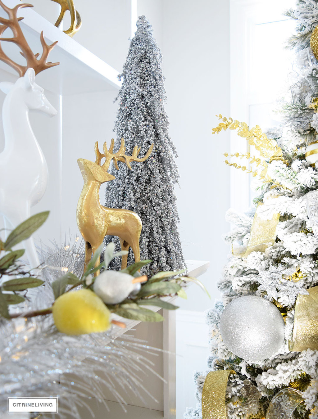 christmas-mantel-gold-white-reindeer
