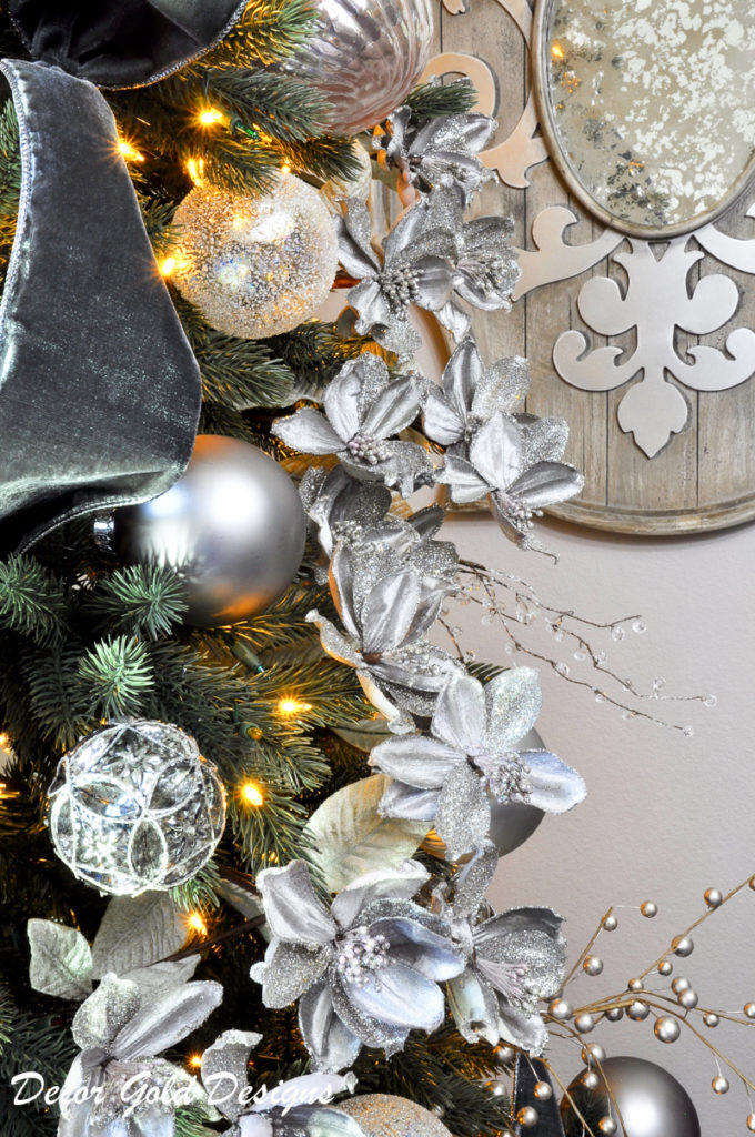 christmas-tree-by-decor-gold-designs