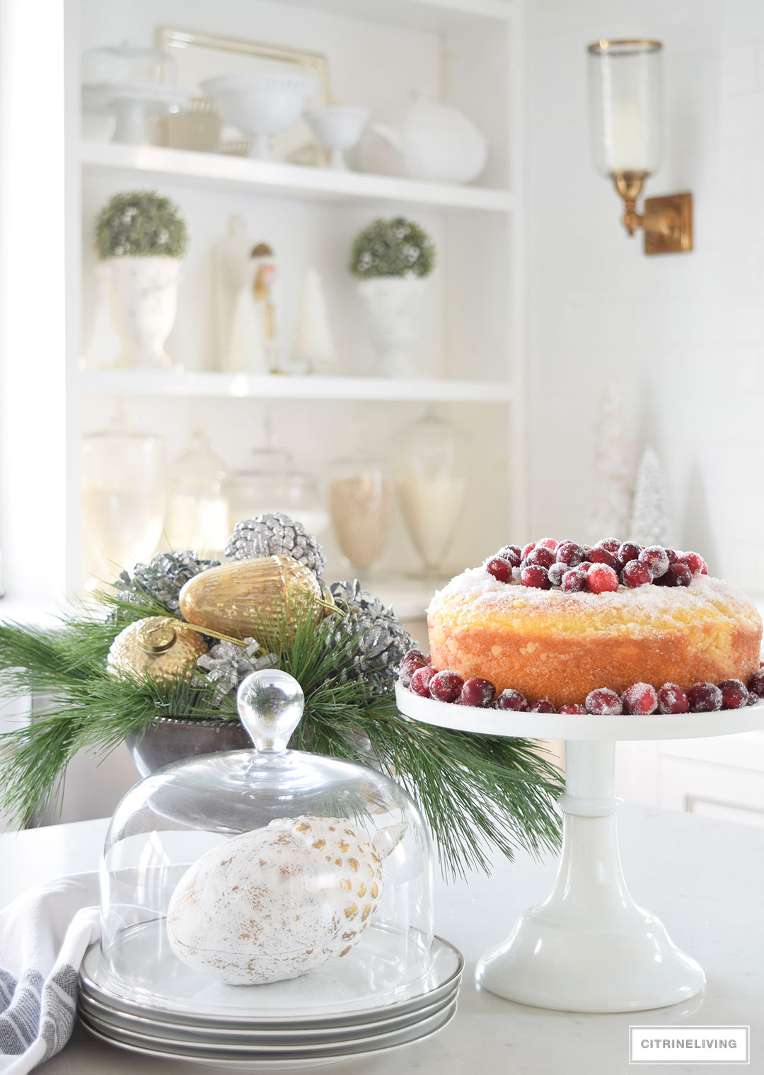 Christmas Home Tour - mixed metallics and holiday greenery create a chic Holiday theme