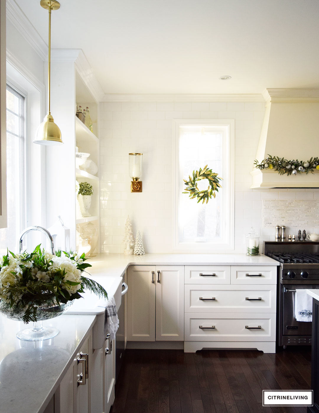 kitchen-christmas-magnolia-wreath-garland2