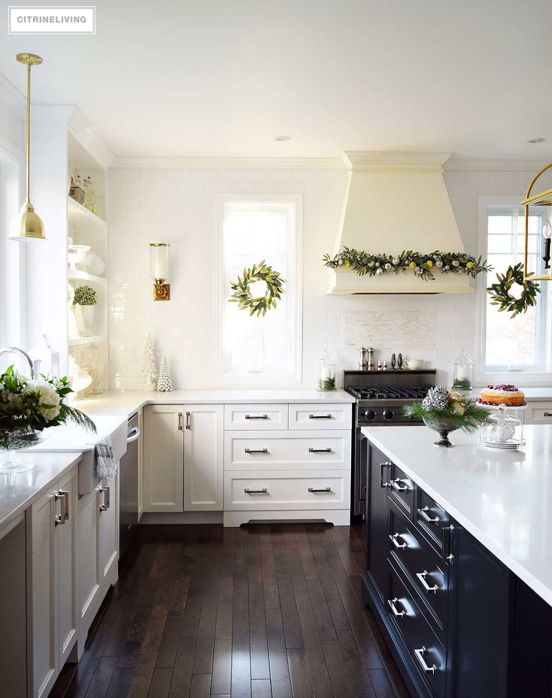 kitchen-christmas-magnolia-wreath-garland3