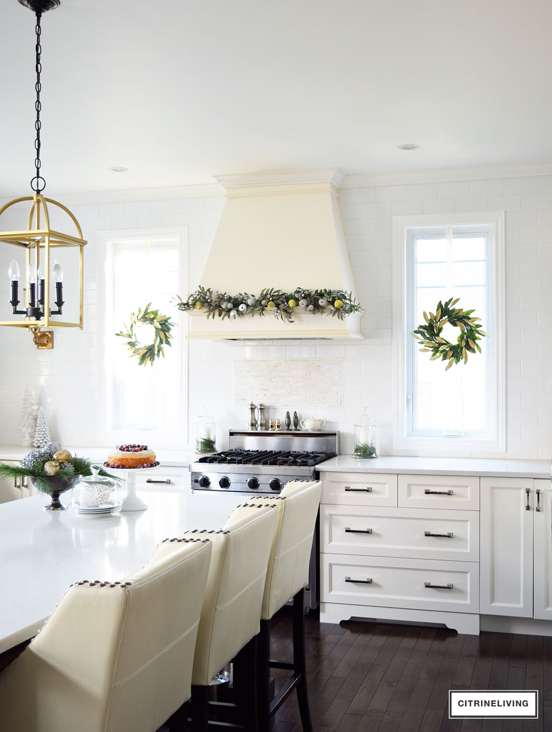kitchen-christmas-magnolia-wreath-garland5