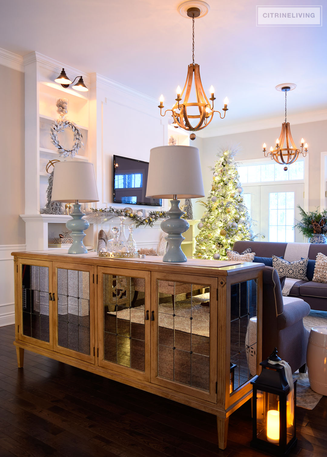 mirrored-bufet-living-room-christmas-tree