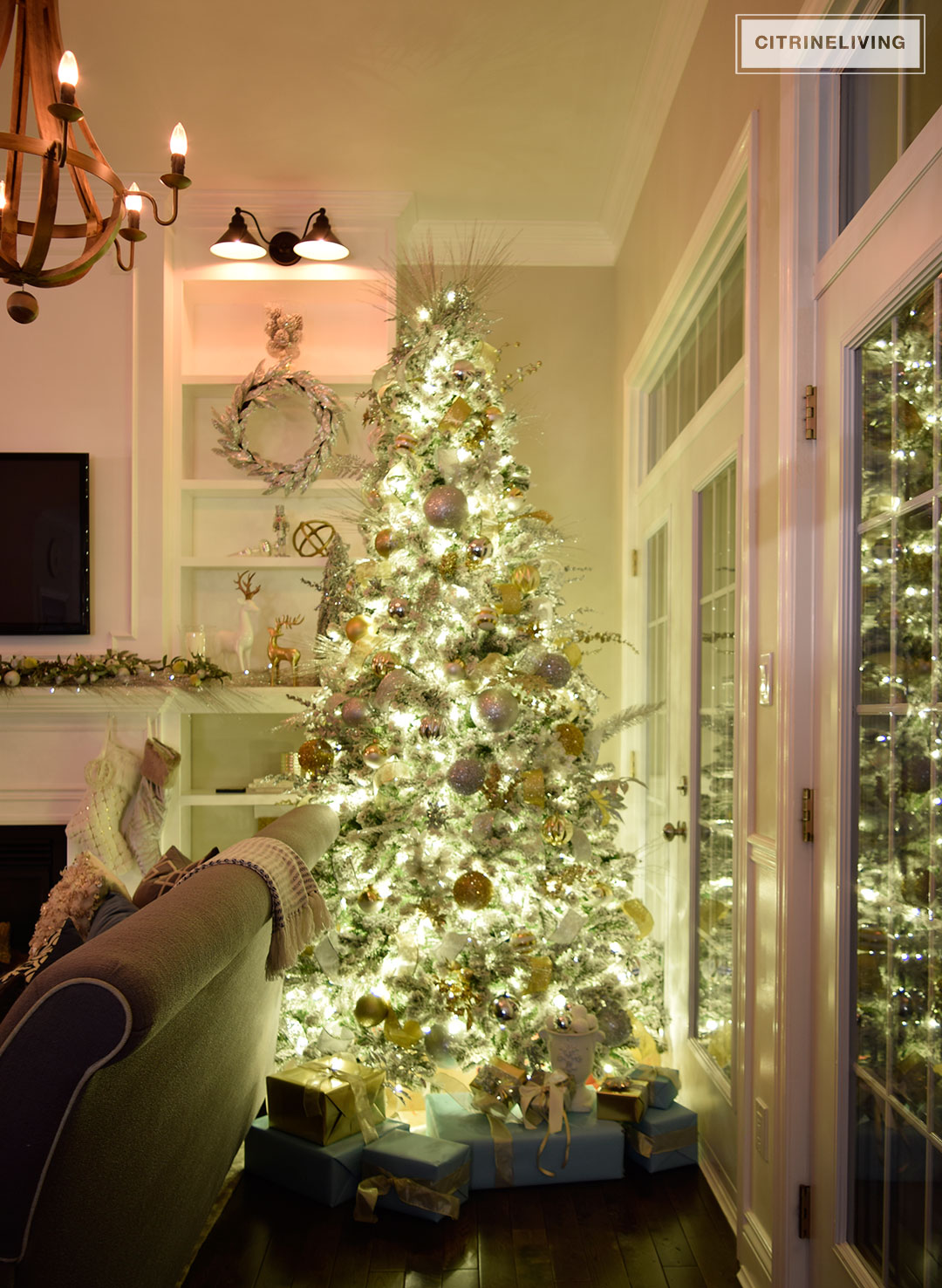 night-living-room-christmas-tree