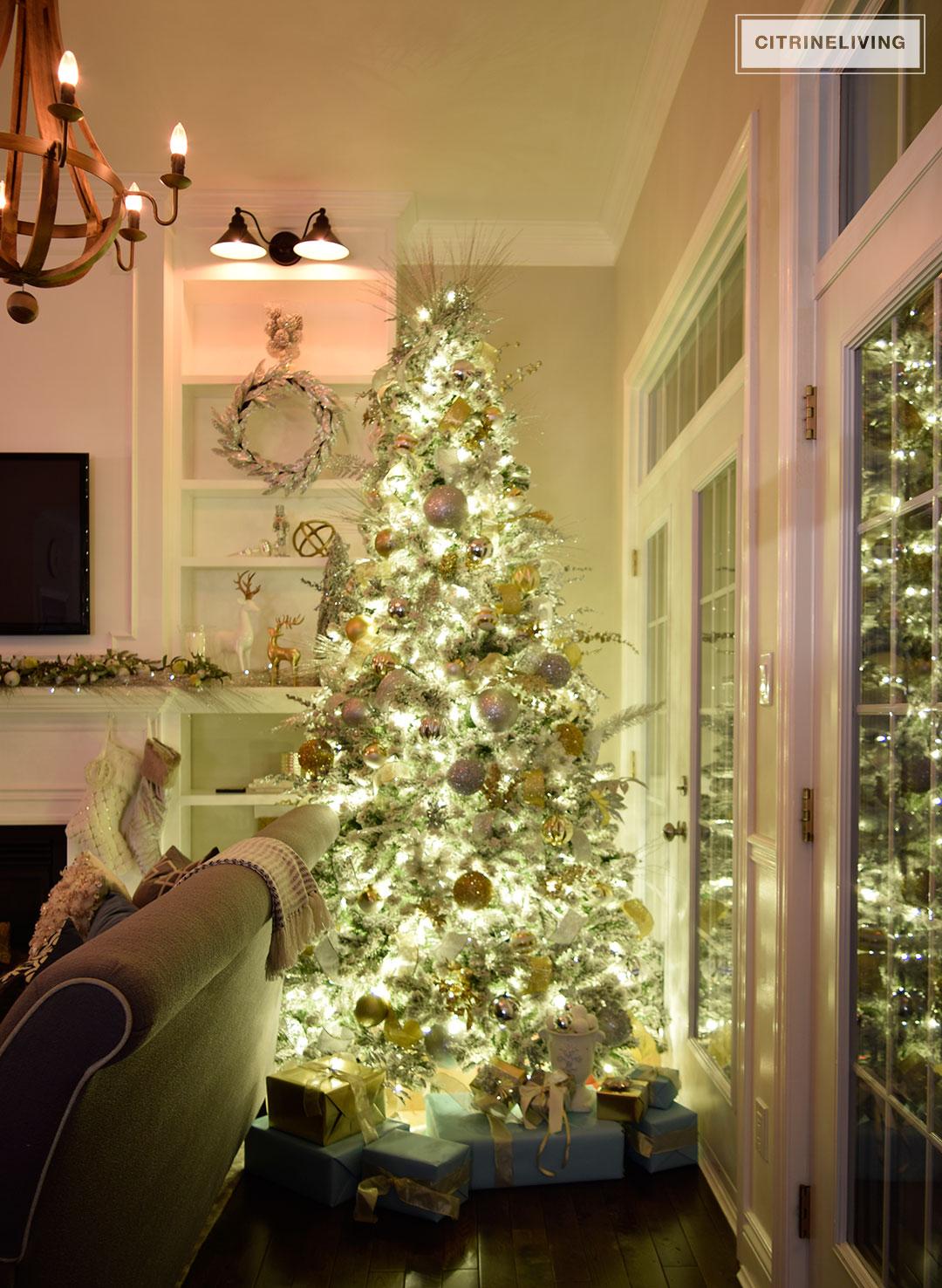 night-living-room-christmas-tree