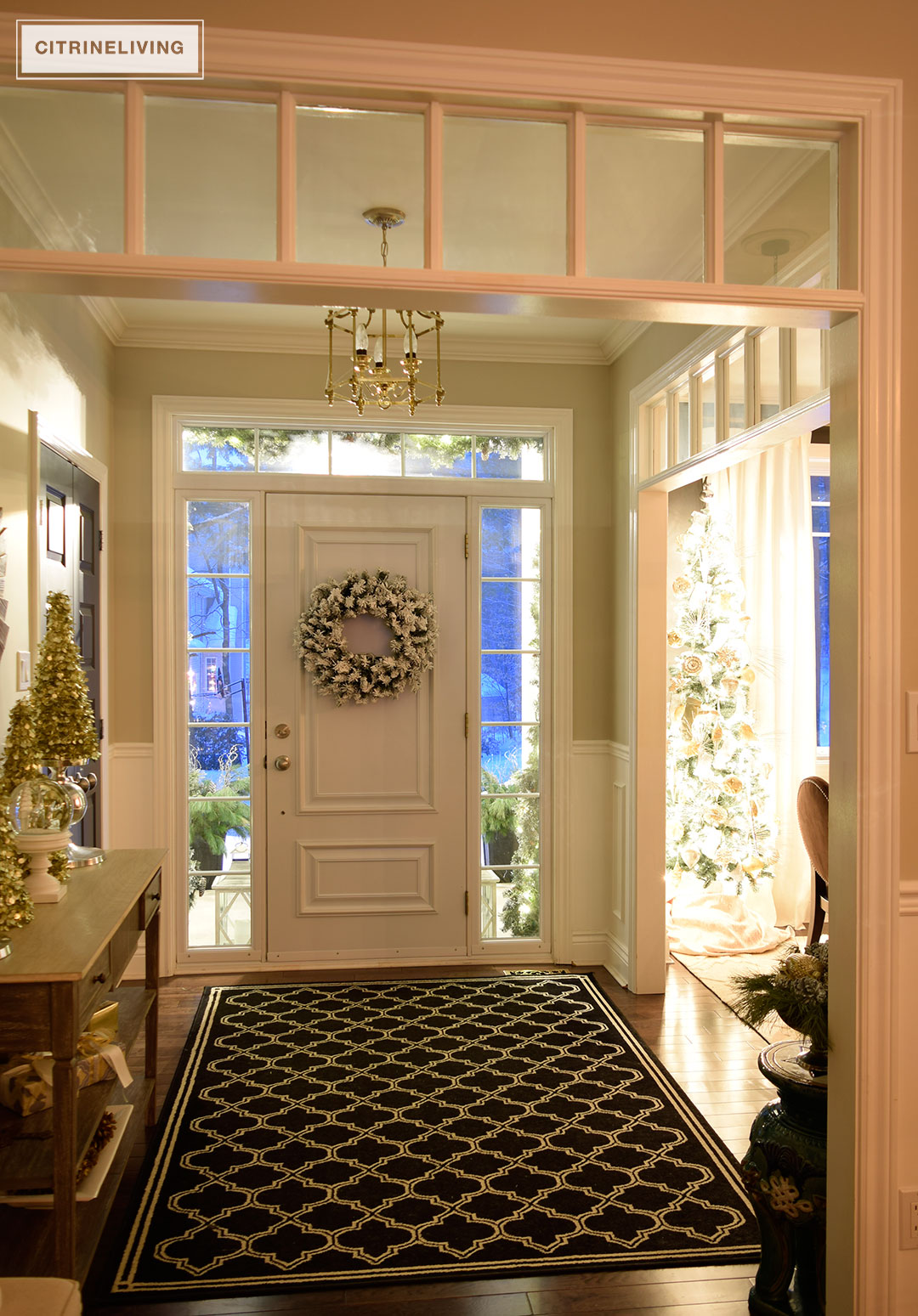 nighttime-entryway-christmas-tree