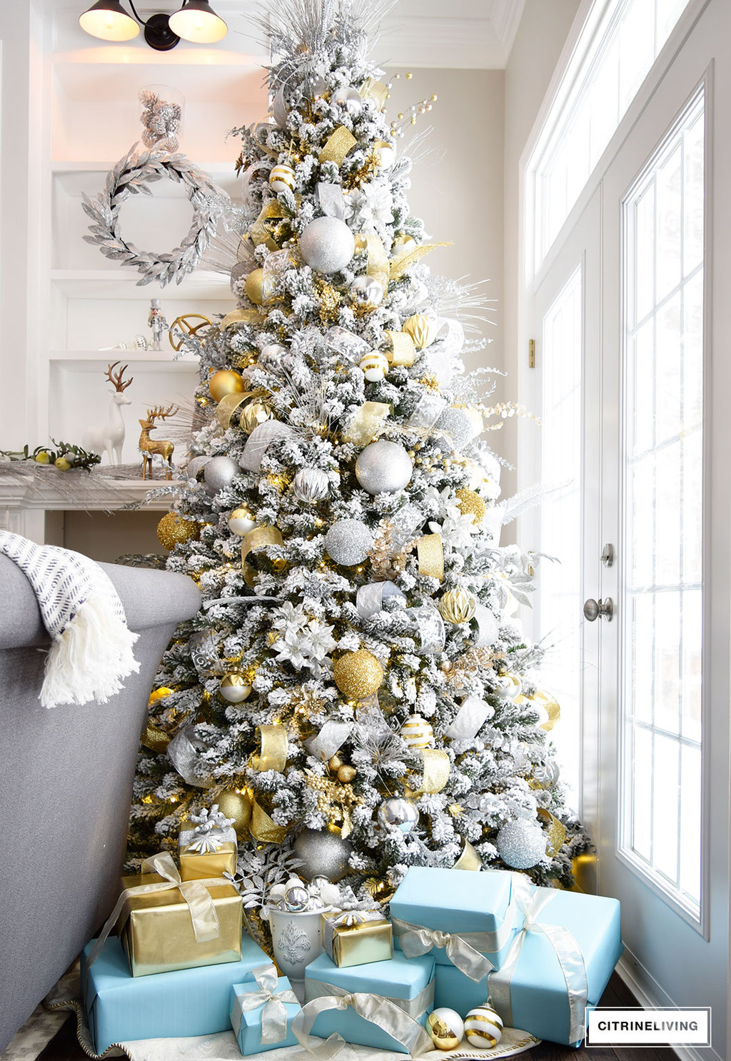 This must be the ultimate christmas yard decoration - Adding Glam To Christmas Decor