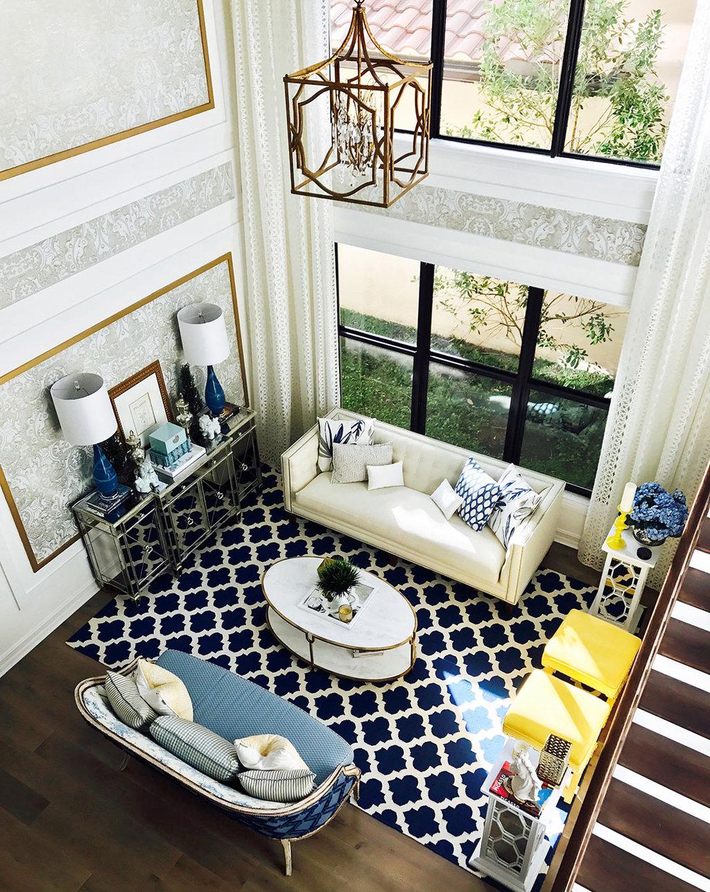 living-room-blue-white-yellow-gold-modern2