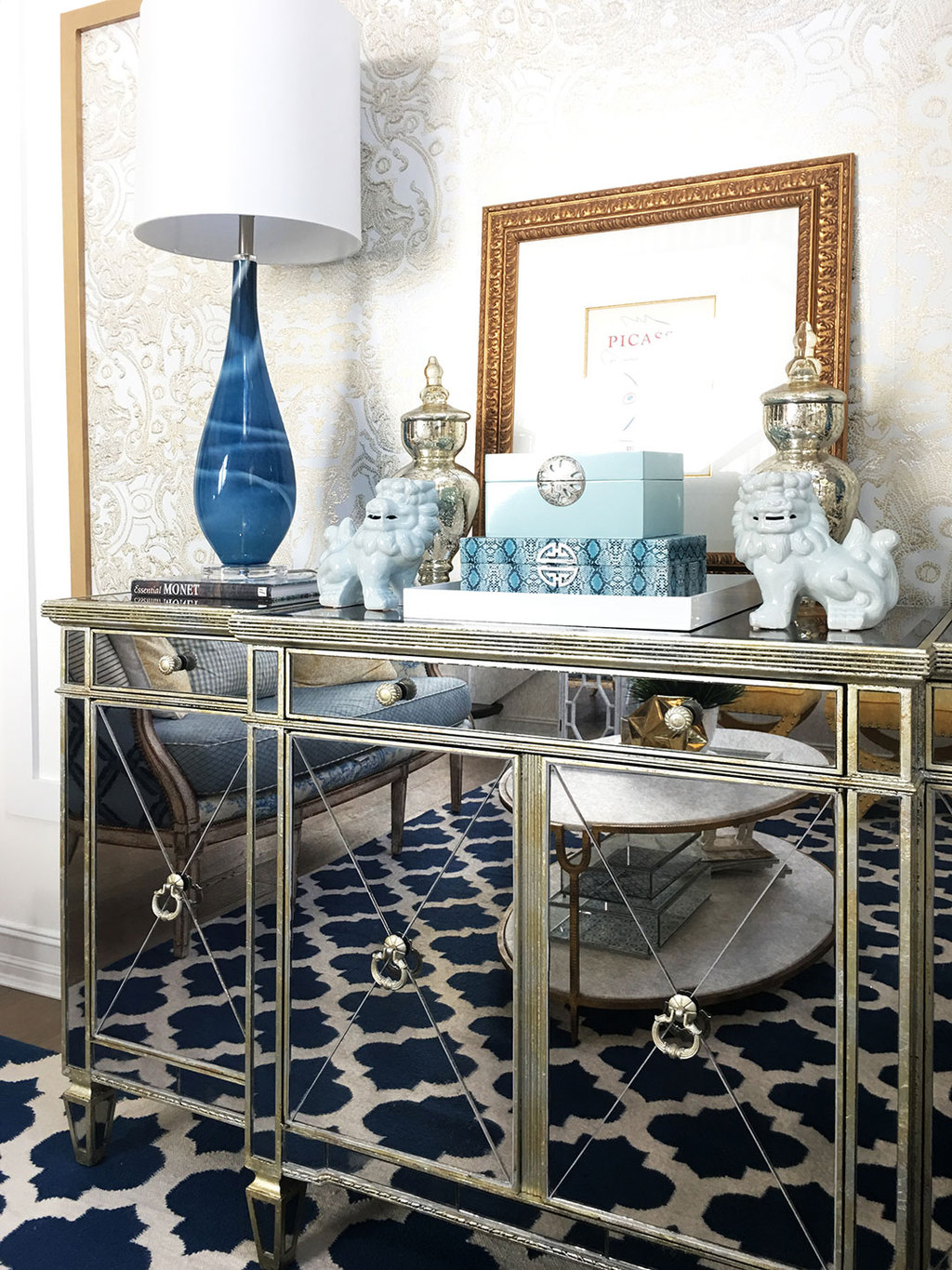 mirrored-console-blue-lamp-foo-dogs
