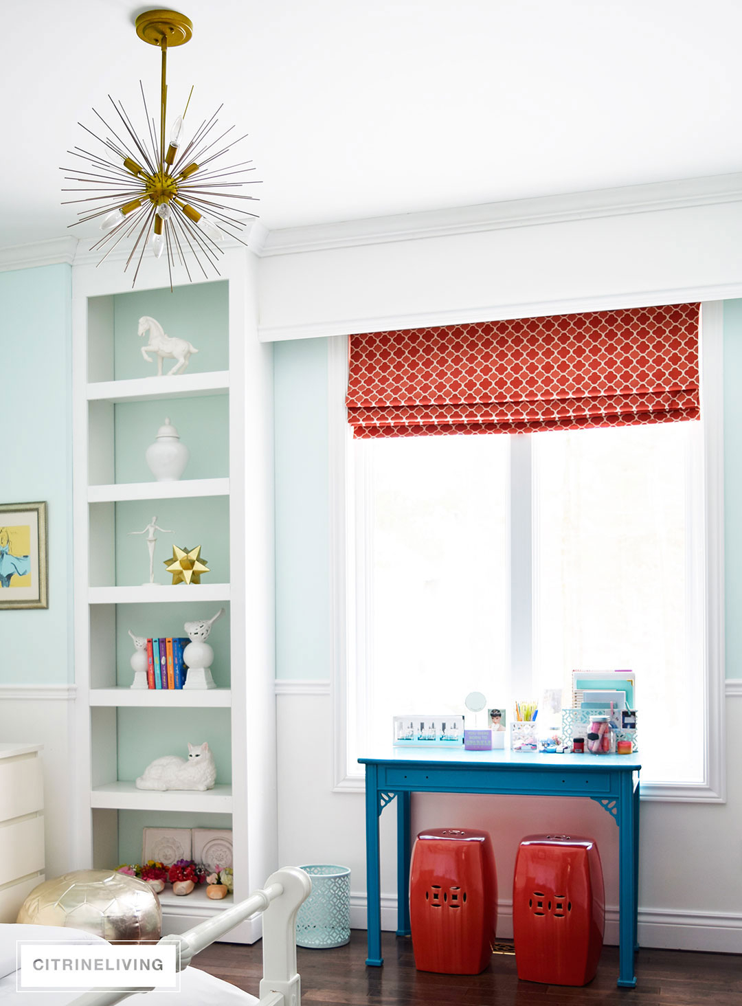 girls-bedroom-refreshing-teal-benjamin-moore-brass-light
