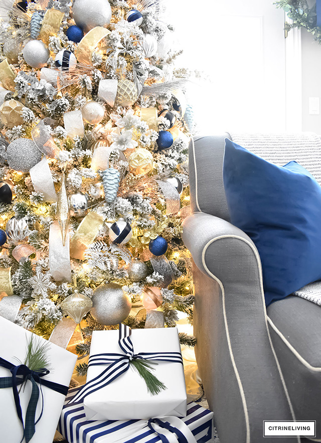 Fabulous Christmas decorating and styling tips that everyone can incorporate into their Holiday decor! Simple to do and you already have what you need!