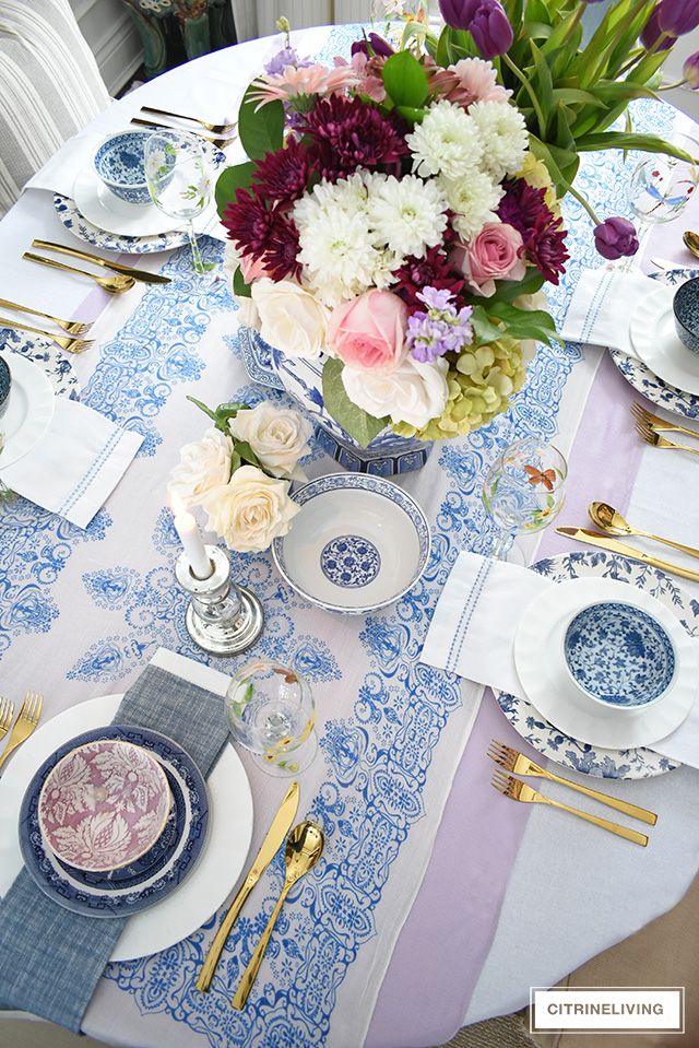 Create an elegant and beautiful Easter tablescape with classic blue and white chinoiserie mixed with sophisticated lavender for an fresh and vibrant look!