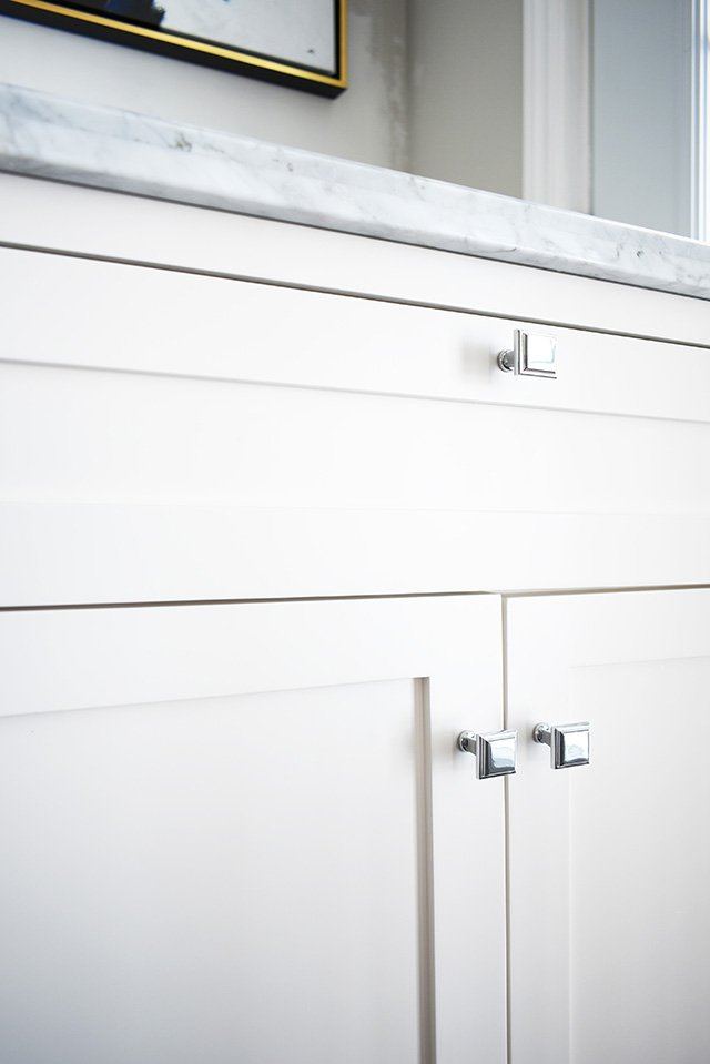 A classic white bathroom vanity with a marble top is the perfect addition to a small bath. Update and bathroom with this versatile piece for a clean and crisp look in your bathroom!