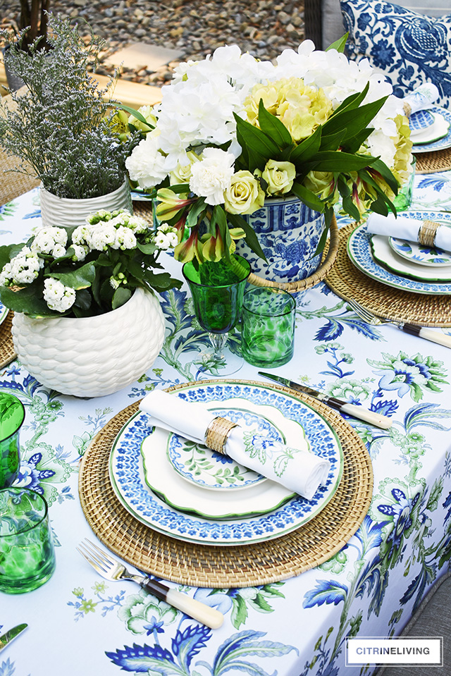 An Elegant Outdoor Summer Tablescape