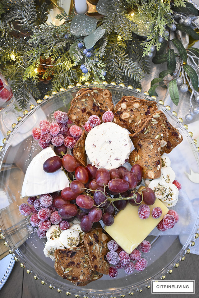 Hostess party prep can be easy with these 7 fabulous essentials for effortless holiday entertaining - bring your hoiday party game to another level!