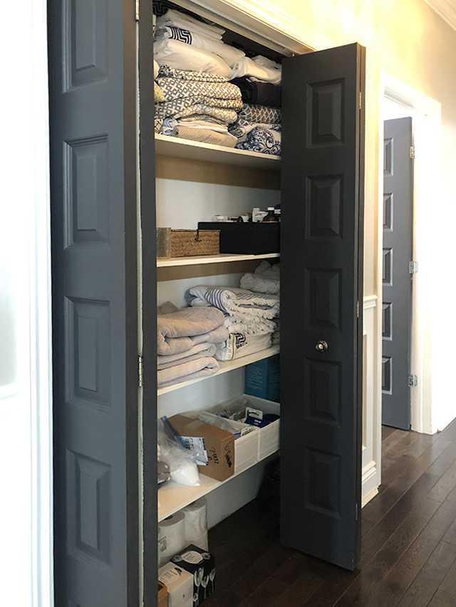 Organizing projects: projects - our messy and overwhelming linen closet needs some paint, wallpaper and baskets!