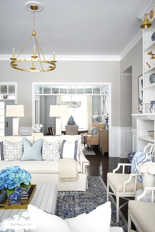 SPRING LIVING ROOM DECORATING: BLUE + WHITE - CITRINELIVING
