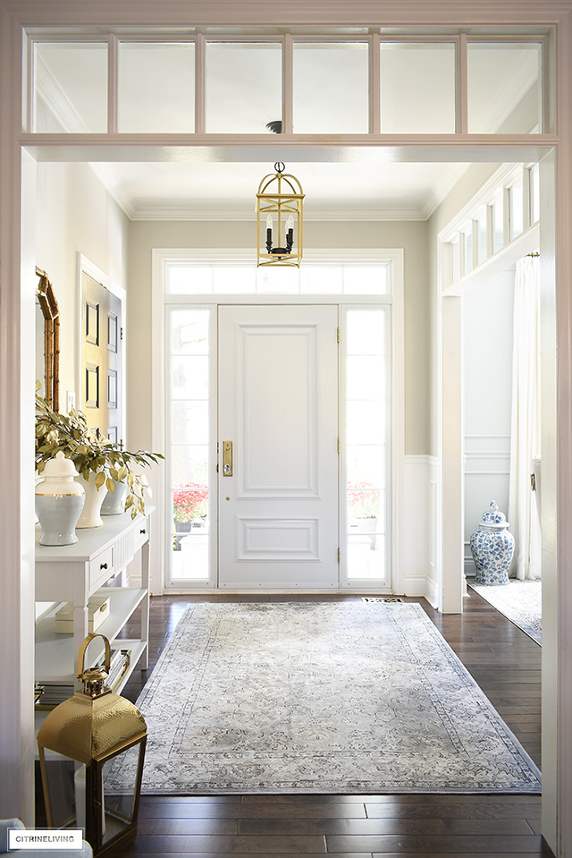 Gorgeous fall entryway with soft greys, warm neutrals and touches of gold.