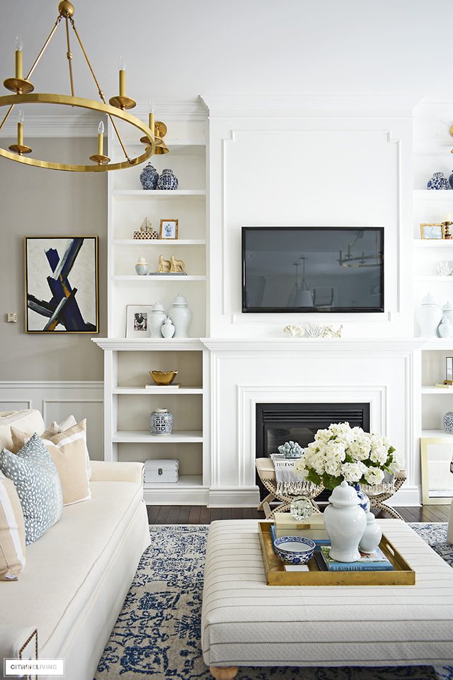 Spring living room decorating ideas for bookshelves.
