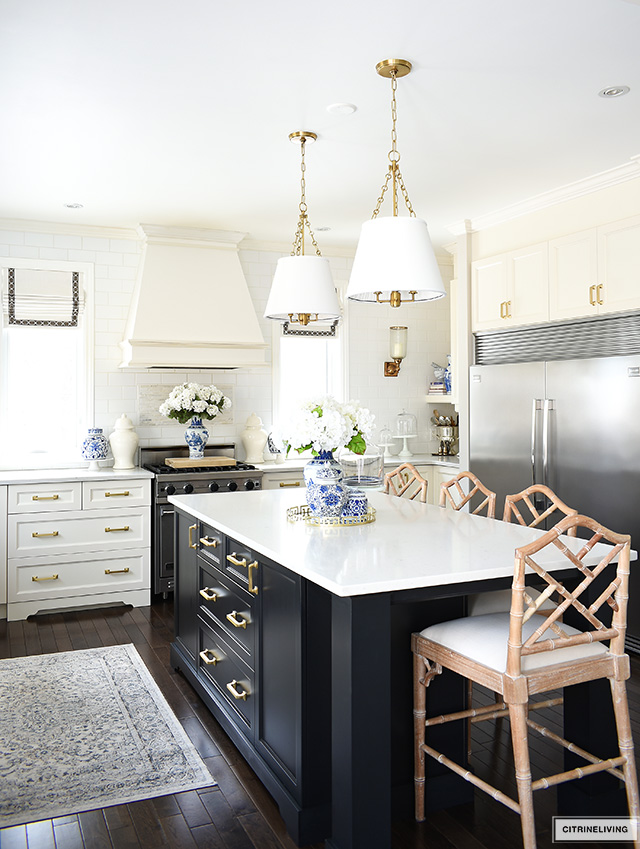 Spring kitchen decor, white and black kitchen with blue and white accesories.
