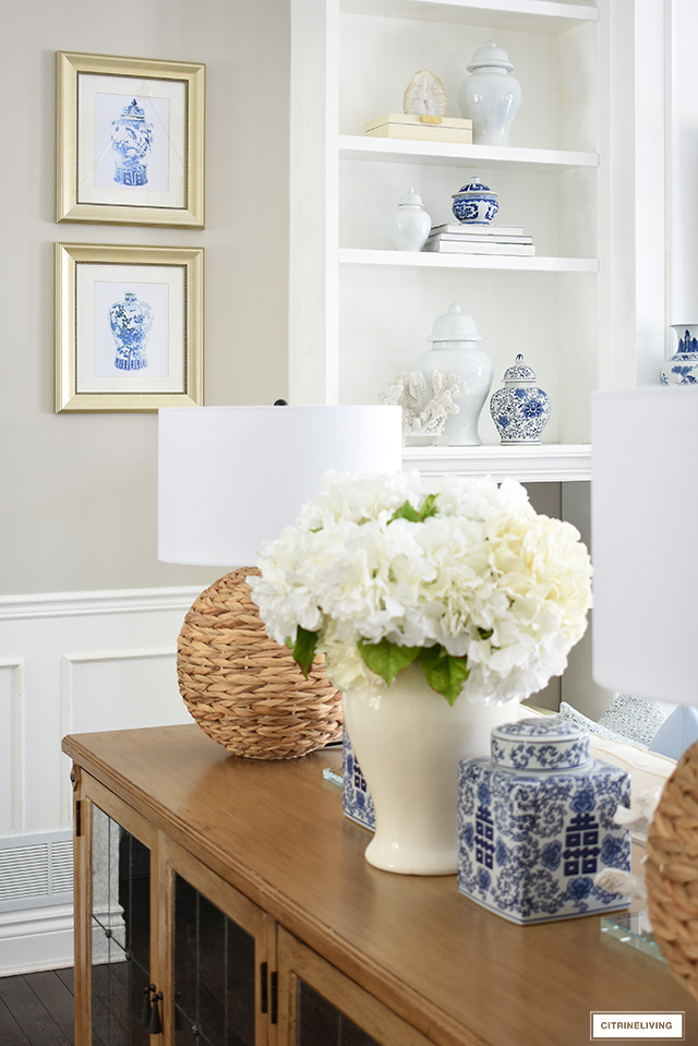 Spring living room decor with blur and white chinoiserie accents.