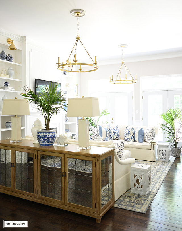 Summer living room decorating with blue and white is chic and gorgeous!